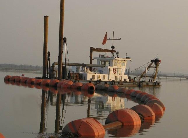 绞吸式挖泥船及管道浮体
